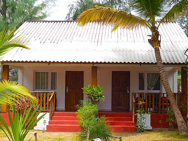 hotel-benin-grand-popo-awale-plage-bungalows-jardin