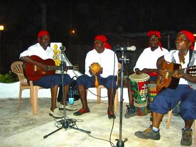 L'hôtel Awalé Plage (Grand Popo - Bénin) - Soirée Piscine